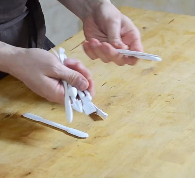 Ustensile : le peigne à chocolat pour faux bois©ChocoClic.com