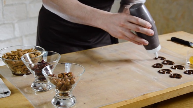 La recette complète des mendiants au chocolat©ChocoClic.com