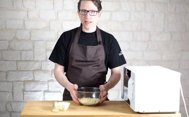 La méthode rapide de la préparation du chocolat au micro onde©ChocoClic.com