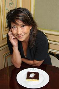 """Barbara Bui lance """"Douce Rebelle"""" sa première pâtisserie au Café de la Paix"""