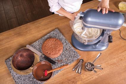 Fabrication d'un gâteau au chocolat©