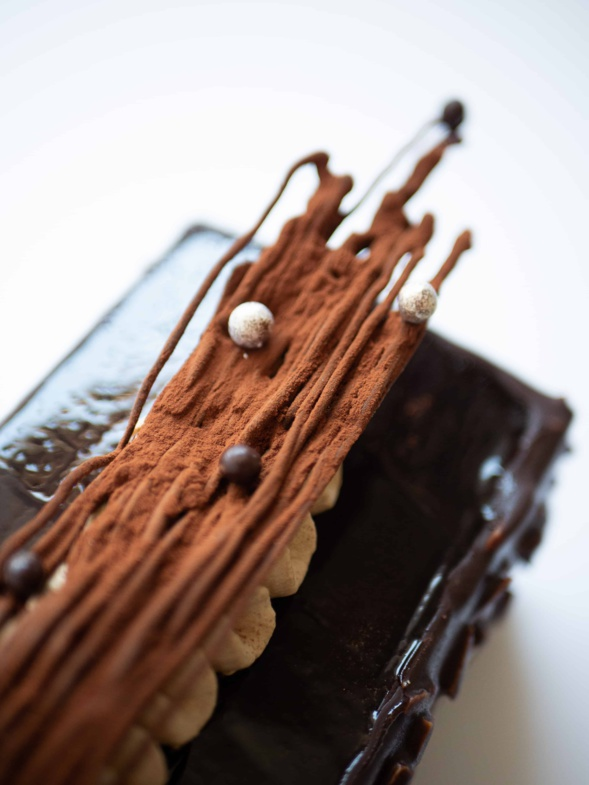 La bûche de Noël brut de chocolat du chocolatier Pierre Chauvet