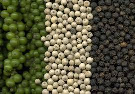 Poivre noir, vert et blanc