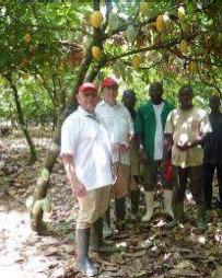 © Jean-Claude et Patrick Poirrier auprès des planteurs ivoiriens, 2010