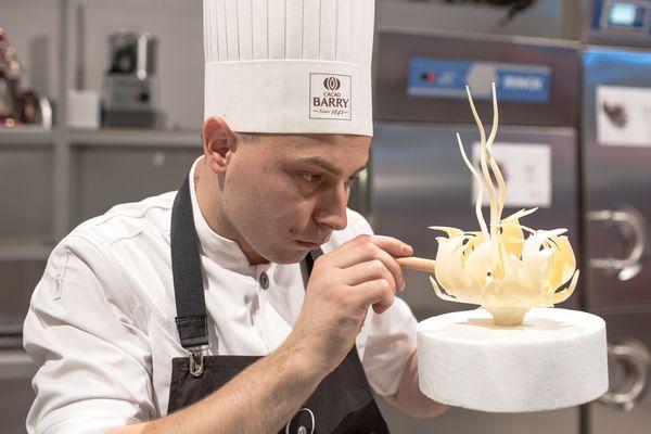 Lucasz Aniol en plein travail aux World Chocolate Masters©