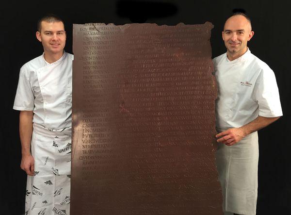 Table Claudienne en chocolat avec Bruno Saladino et Corentin©Roberto Vargiolu LTDS-ECL-CNRS