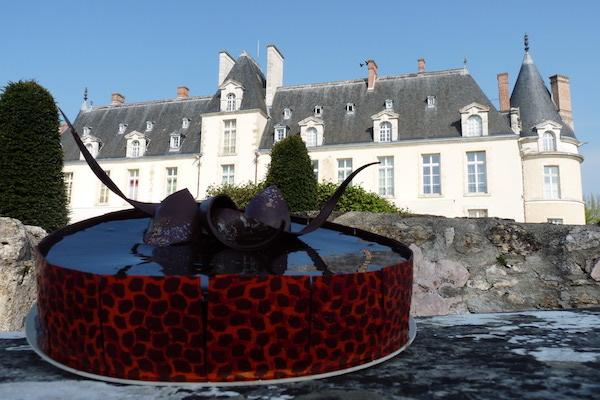 Gâteau face au Château d'Augerville©