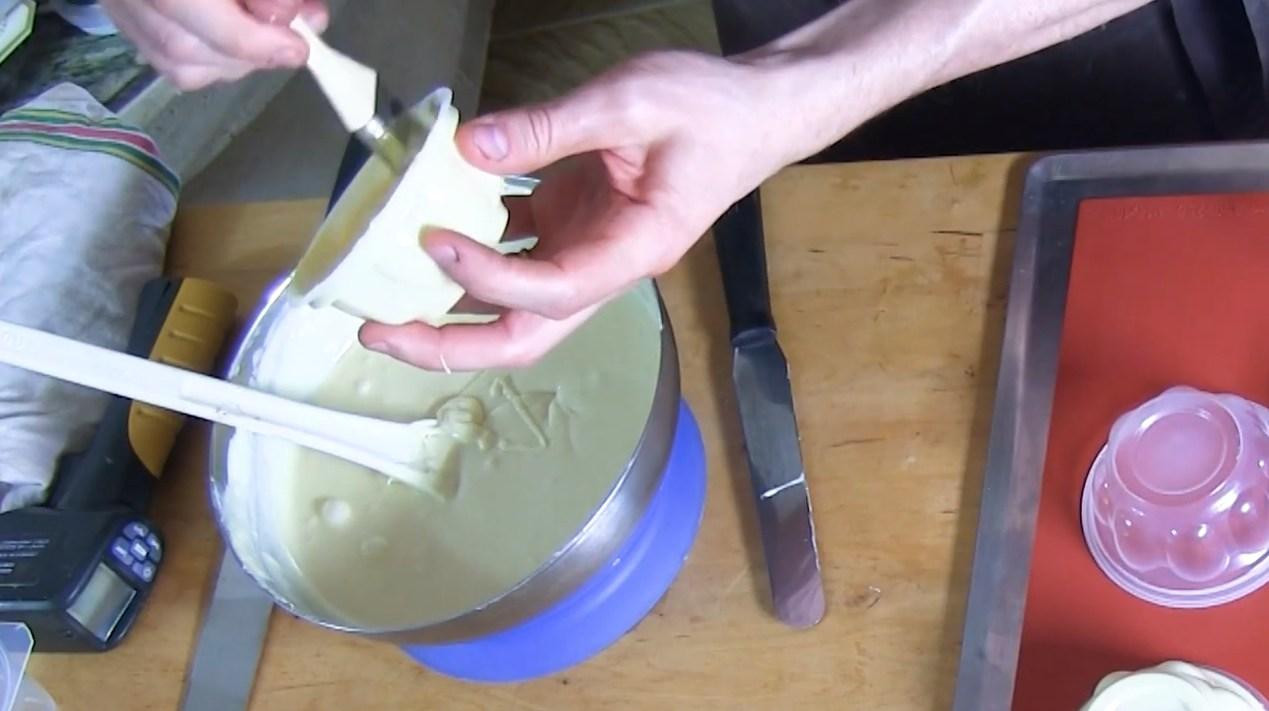 Réaliser un yaourt en chocolat blanc©ChocoClic.com
