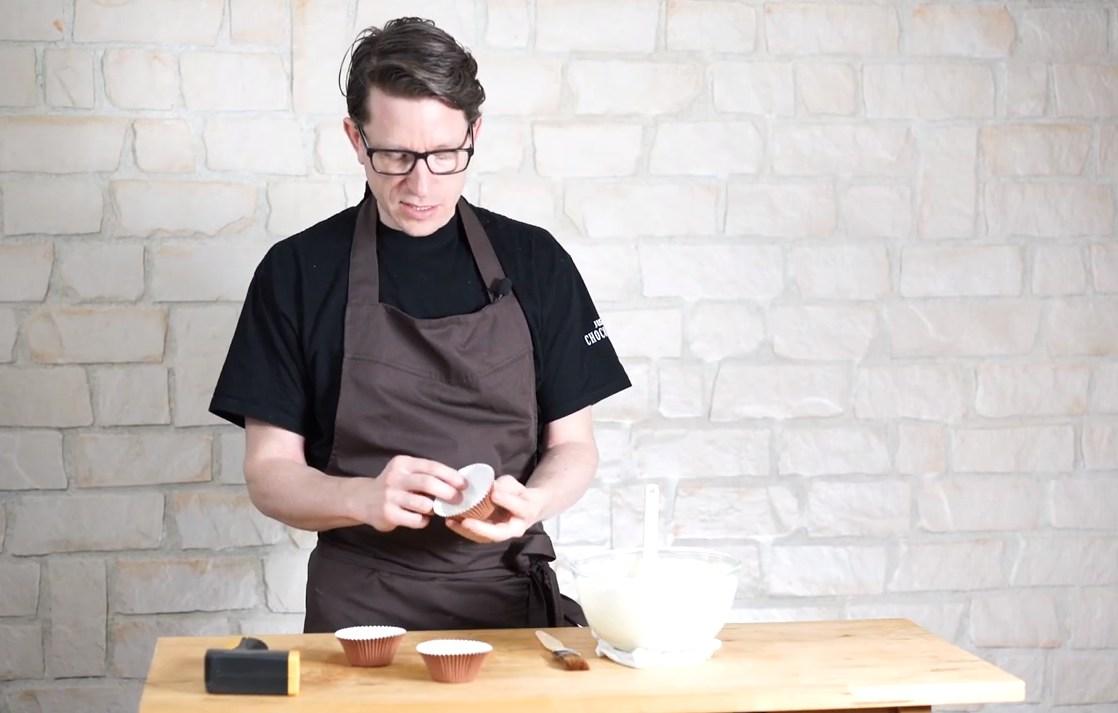 Utiliser cette technique pour imiter le support des cupcakes©ChocoClic.com