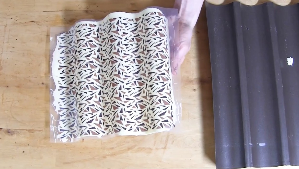 Réaliser des dents de loups (jargon chocolatier)©ChocoClic.com