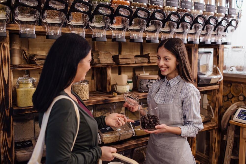 Les gens ont besoin de se sentir heureux ': une enseignante à la retraite s'apprête à ouvrir le chocolatier Peterbrooke au centre-ville