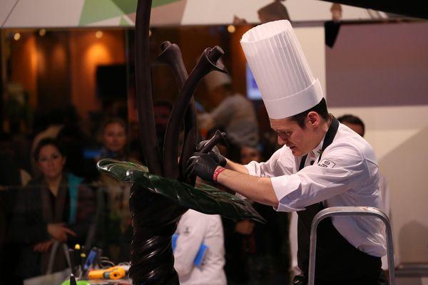 Slawomir Korczak en plein travail aux World Chocolate Masters 2015©