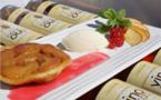 La Tarte aux Pêches « mi-Tatin mi-Melba » coulis de groseilles et glaces à la Vanille