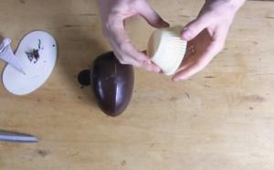 Le montage d'un ŒUF (coco) avec un bouton