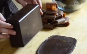 La fabrication d'un coffret magique en chocolat