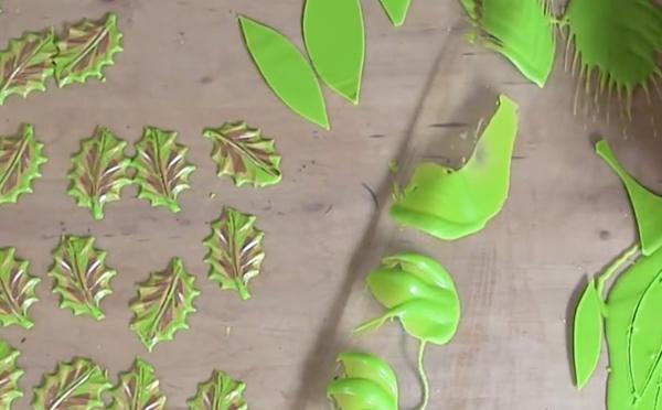 Décoration en chocolat: feuilles vertes