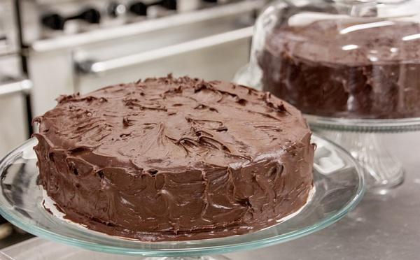 Recette de Glaçage chocolat blanc, noir et lait