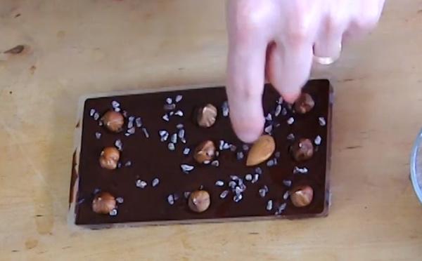 La technique pour faire une tablette de chocolat