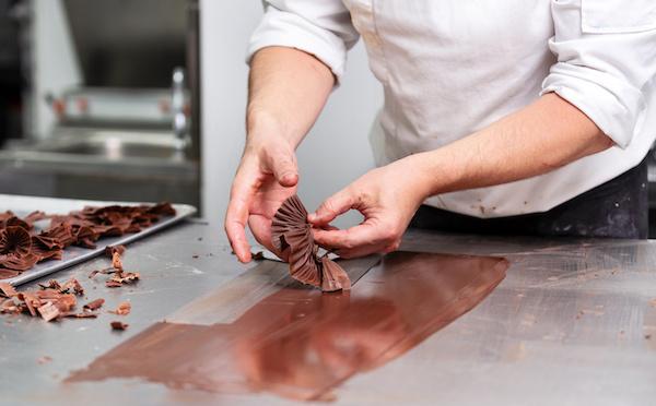 Comment se lancer dans le métier de chocolatier ?
