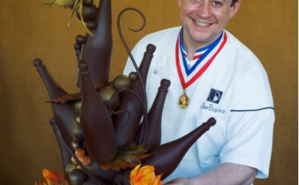 Olivier Bajard , Mof chocolatier et auteur à succès de livres de desserts