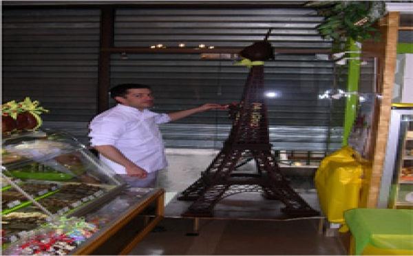 Madame Eiffel fête ses 120 ans en chocolat