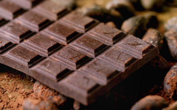 Le chocolat noir, une option de collation extrêmement saine pour le cœur