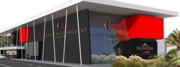 La première bougie de la Cité du Chocolat Valrhona sous un ciel radieux