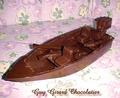 Guy Girard Chocolatier son bateau à moteur