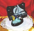 Support en chocolat et dessin de bateau