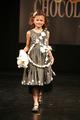 La petite Victoria au défilé du 13ème Salon du Chocolat 2007