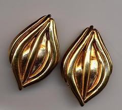 Boucles d'oreilles en or fin cabosse n8