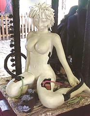 Arpajon Femme nu en chocolat blanc