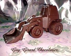 Guy Girard Chocolatier avec son tracteur