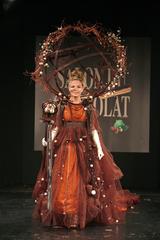 Cécilia Cara au défilé du salon du chocolat